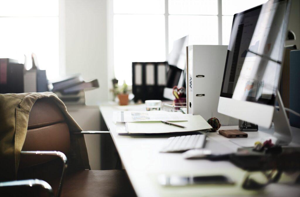 stol-stolicka-pracovne-miesto