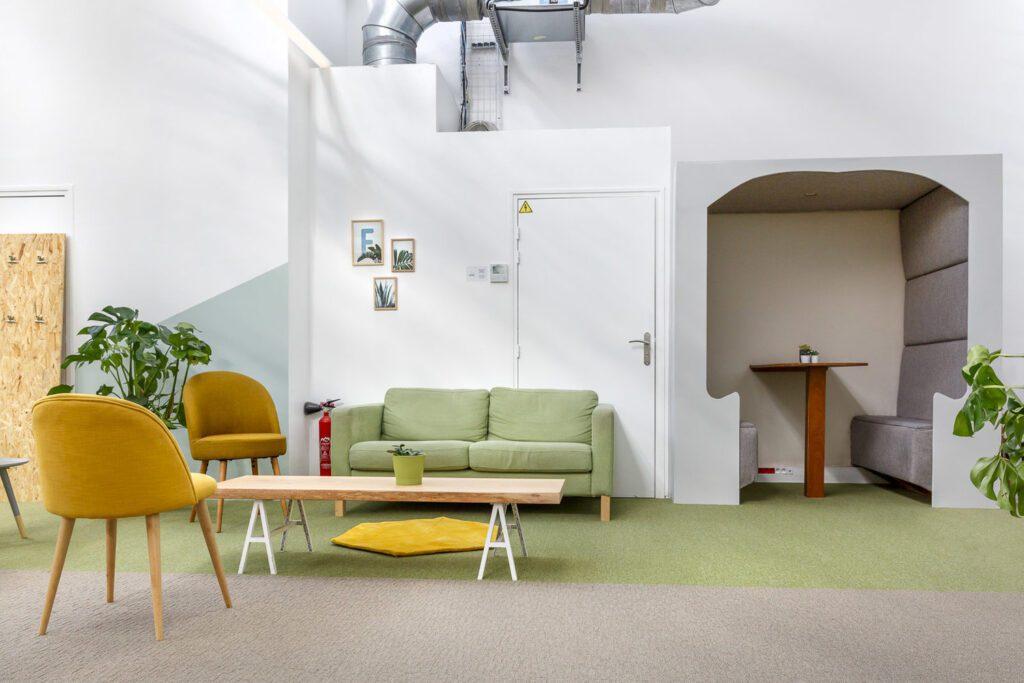 Interier-kancelarie-v-Parizi