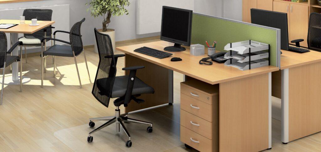 Stolicka-stol-skrine-konferencny-stol-rastlina-ukladacie-boxy